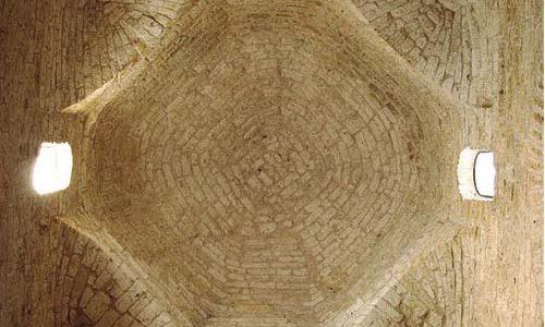 Levantar cimborrios, construir prestigio. La arquitectura monumental como instrumento publicitario durante los siglos del románico